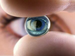 Выбираем контактные линзы